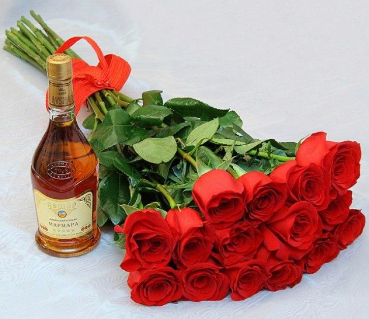 какие цветы дарить мужчине на юбилей