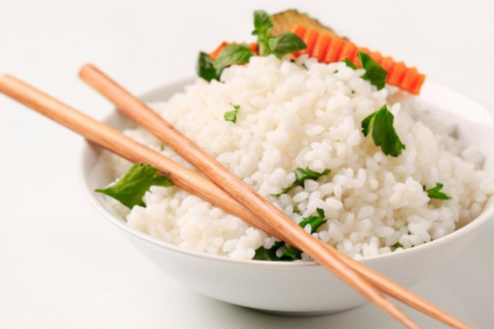 Тарелка риса при японской диете