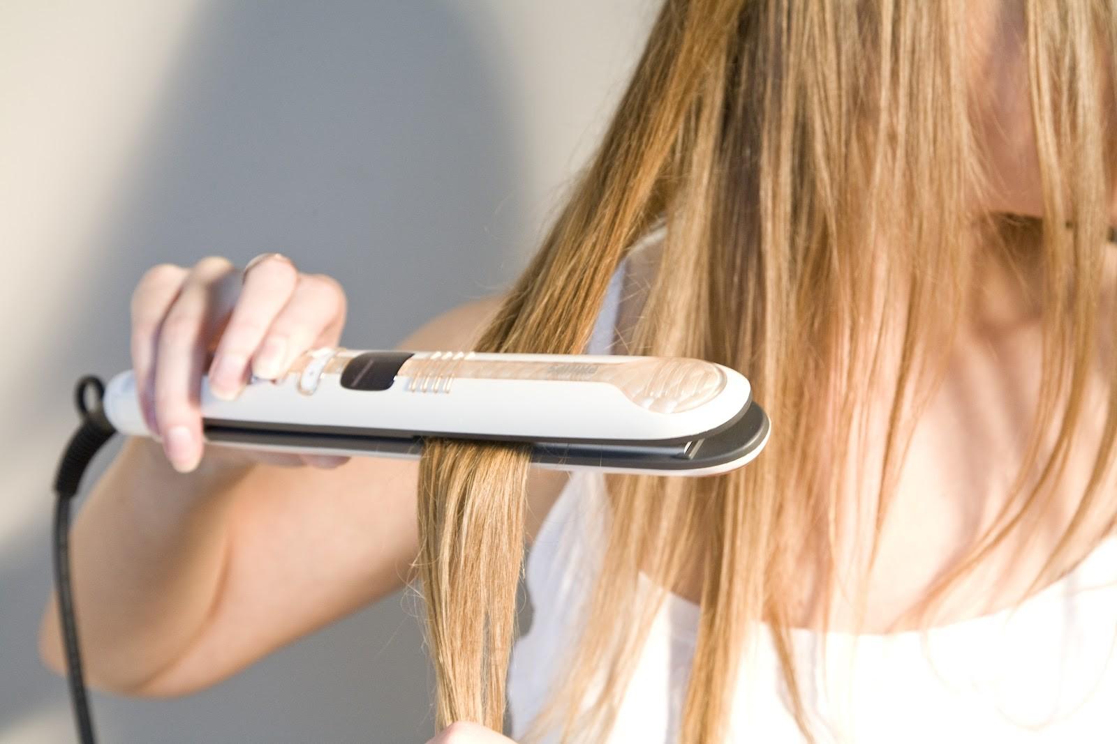 Выравнивать волосы плойкой
